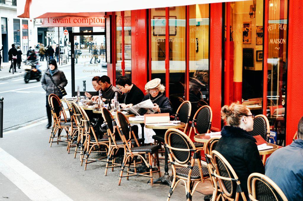 Кафе Париж